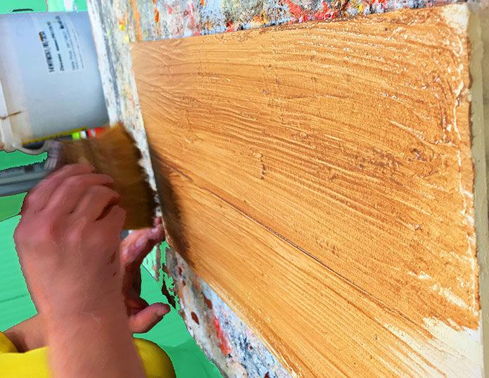 Efekt drewna na elewacji