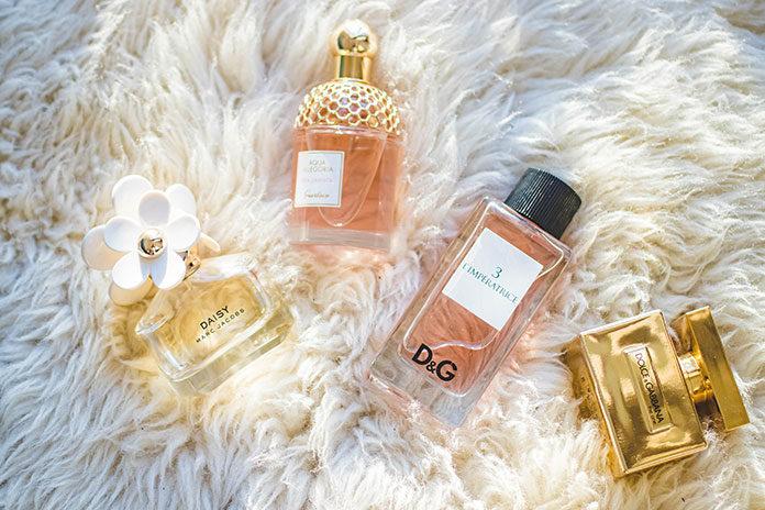 Ciepłe zapachy: perfumy na chłodne jesienne dni