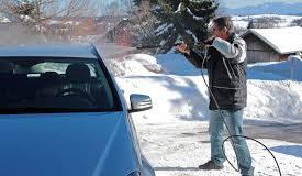 Jak prawidłowo myć samochód zimą?