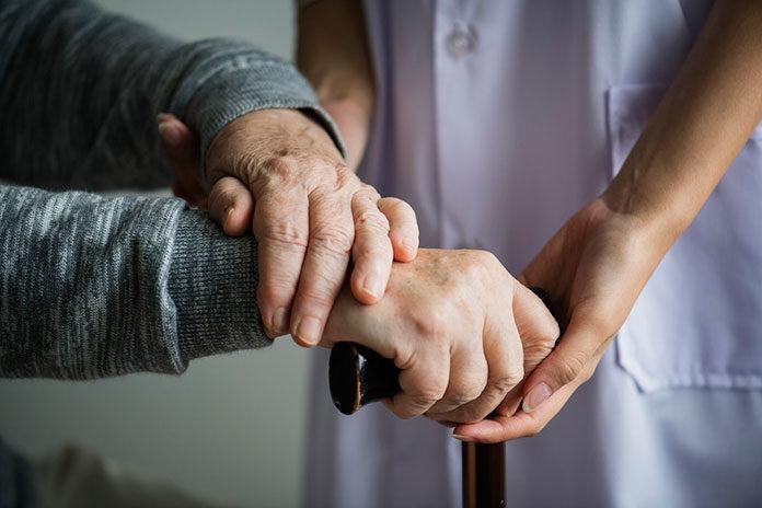 5 cech idealnej opiekunki seniora