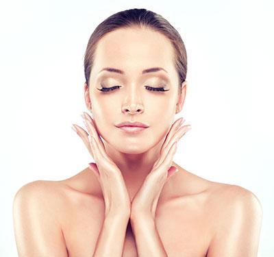 Mezoterapia igłowa twarzy – czy warto się na nią decydować oraz jak długo utrzymuje się efekt?