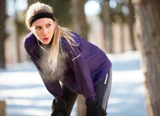 Akcesoria niezbędne podczas biegania w chłodniejsze pory roku